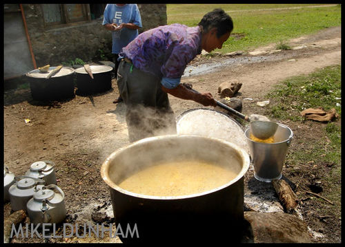 Man preparing curry-72